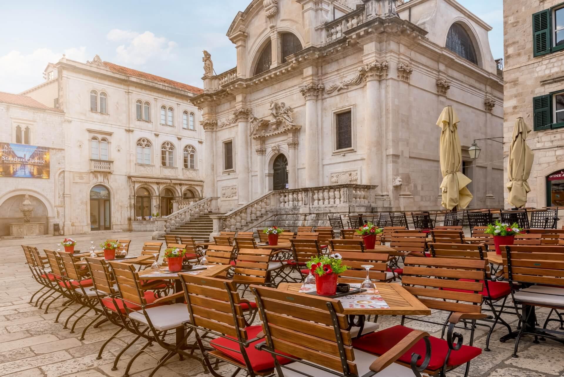Cele Dubrovnik home outside seating